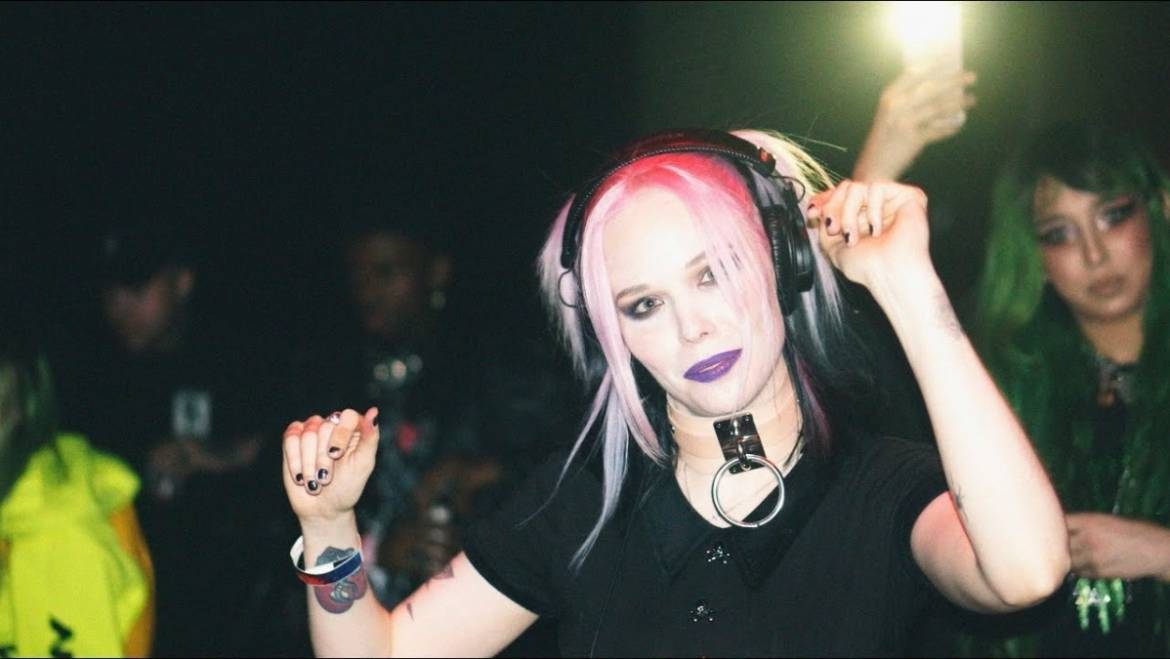Alice Glass Booking Agency | Alice Glass Event Booking