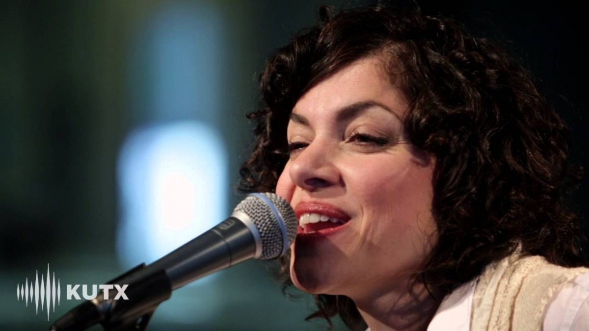 Carrie Rodriguez Booking Agency | Carrie Rodriguez Event Booking