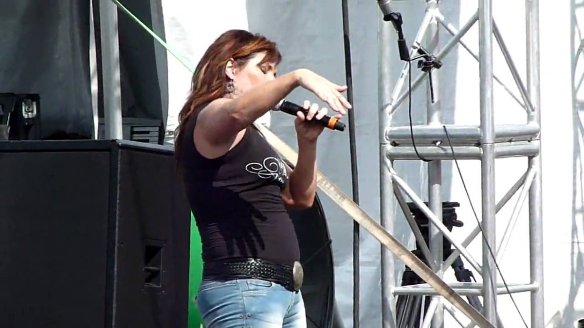 Jo Dee Messina Booking Agency | Jo Dee Messina Event Booking