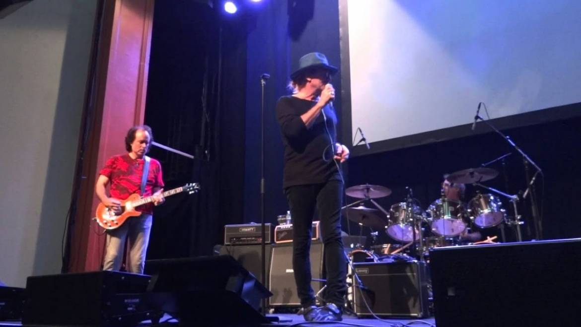 Robin Zander Band Booking Agency | Robin Zander Band Event Booking