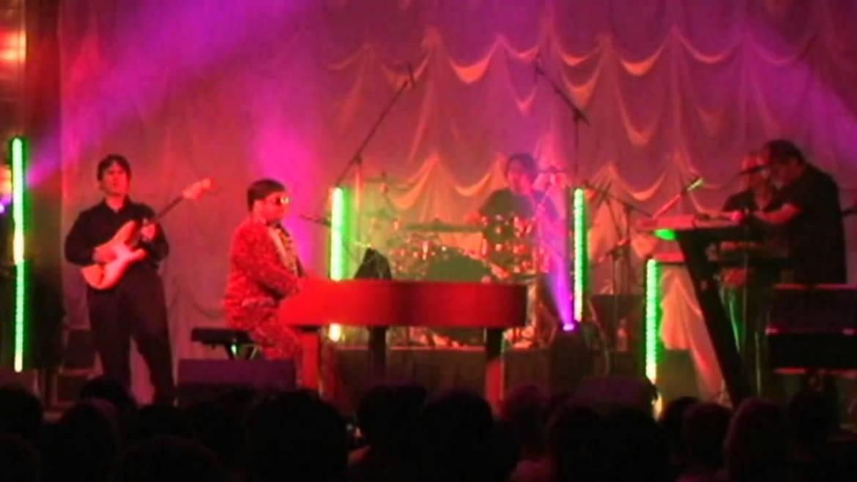 Elton Dan & the Rock Band – Elton John Tribute Band Booking Agency