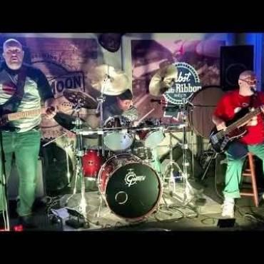Uncle Penguine – Kansas City Band